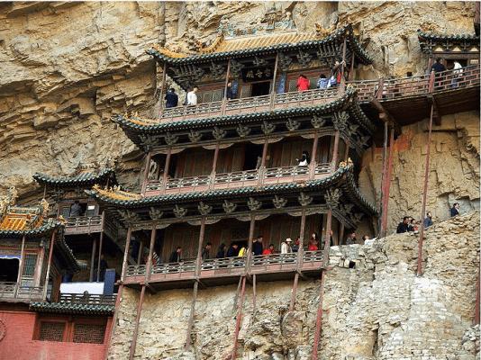Chùa Huyền Không tọa lạc trên núi Hằng Sơn, tỉnh Sơn Tây, Trung Quốc
