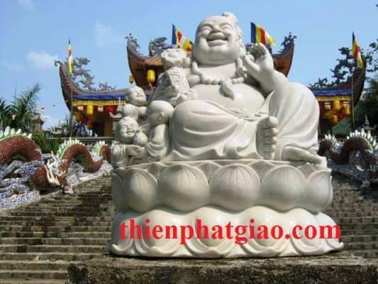 Tượng Phật Di Lặc tại Tòng Lâm Lô Sơn Tịnh Độ (Khánh Hòa)