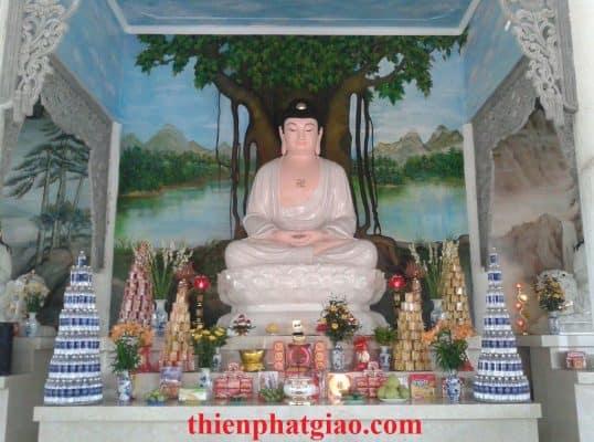 Tượng phật a di đà cao 350 cm tại chùa linh sơn , huyện sơn tây