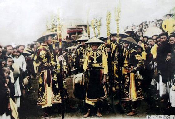 Lễ dâng hương đền Hùng vào năm 1904