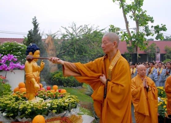Lễ tắm Phật đản sanh