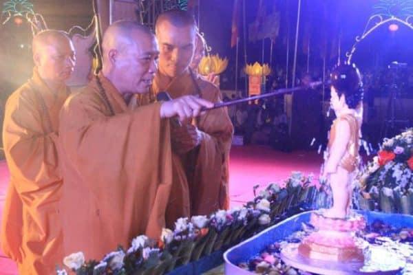 PG Hà Tĩnh tổ chức Đại lễ Phật Đản PL.2562