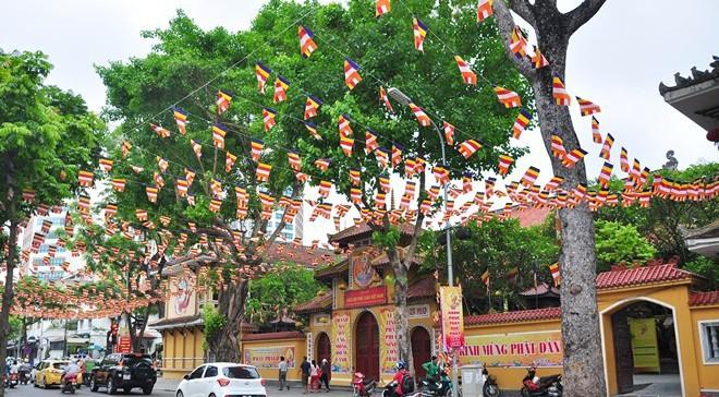 Không khí Phật Đản tại Trụ sở Trung ương Giáo hội, chùa Quán Sứ.